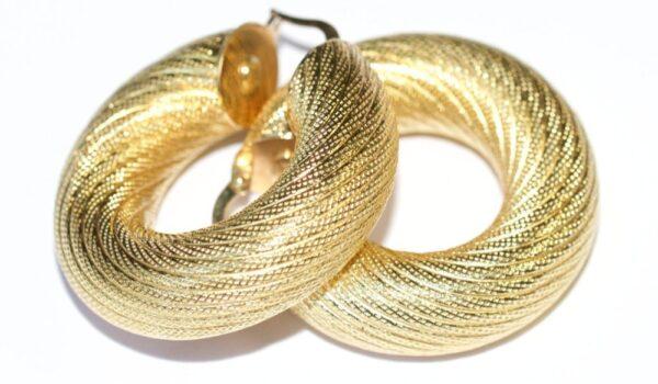 Gold-Creolen: Der zeitlos schöne Schmuck für die Ohren