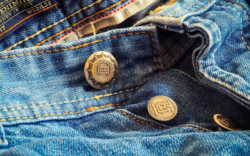 Modisch die Umwelt schonen: Nachhaltige Jeans kaufen