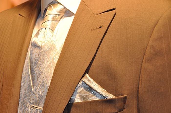 Einstecktücher runden Herrenoutfit ab
