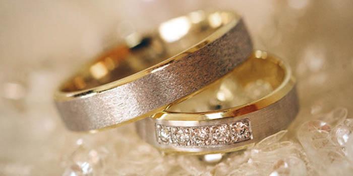 Klassische Trauringe für die Hochzeit